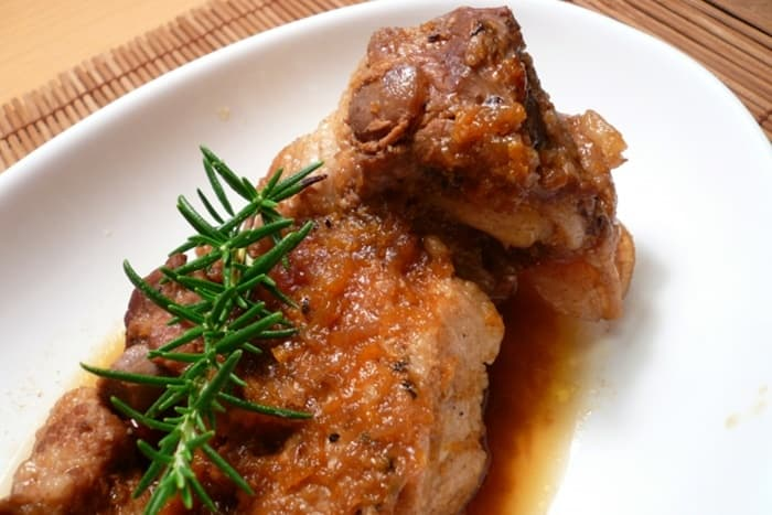 大きな肉もやわらかく煮れる!