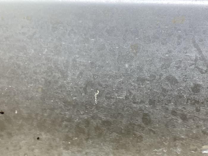 シンク壁面に付いた水垢